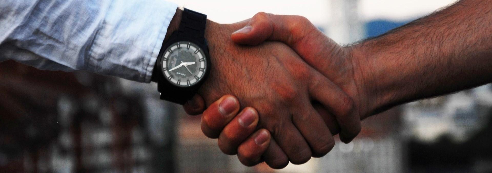 20293_handshake-15122_120-3